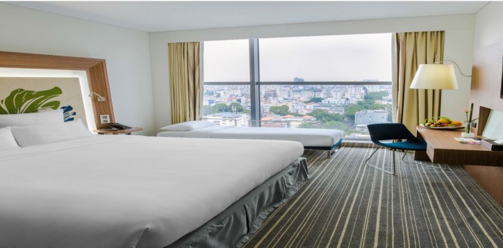 roomsuites-executive-3